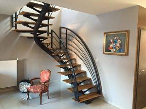 Escalier industriel avec garde corps